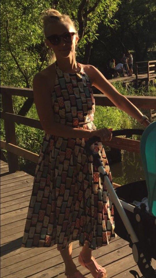 51b6e161844 Летнее свободное платье с открытой спиной и юбкой плиссе ...